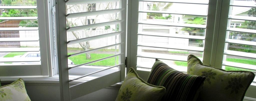 Curtains shutters & Blinds